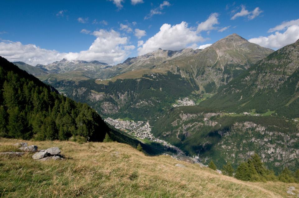 Sentieri e parchi della Valchiavenna maggio